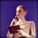 dobrodelni koncert čLOVEnija - voditeljica večera Petra Bauman